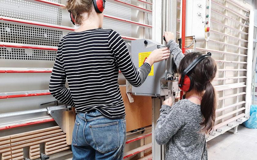 Maedchen Holzwerkstatt Workshops Berlin